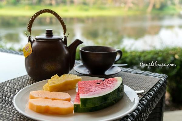 ชุดชา กับ ผลไม้