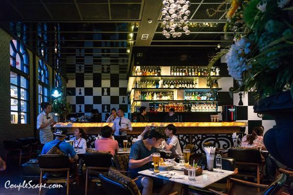 Checkmate Bar & Bistro
