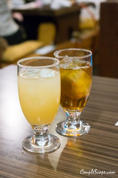 น้ำแอปเปิ้ล กับ ชาอู่หลง